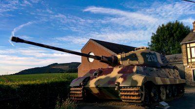 プラモで世界を旅する。/少年時代のときめき、「ベルギーの王虎」に会う。
