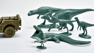 化石じゃない!タミヤが樹脂化した「恐竜世界」に飛び込もう!!