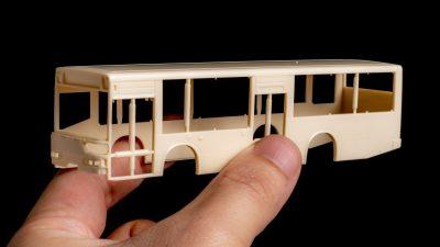 日常の景色をぎゅぎゅっと凝縮した「バスのプラモ」はいかがですか?