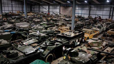 イギリスの「聖地」で出会ったKV-1/ソビエト戦車、聳え立つ壁。