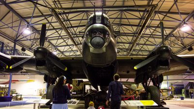 「ひこスぺ」でランカスターも友達だ!爆撃機だって怖くないかも。