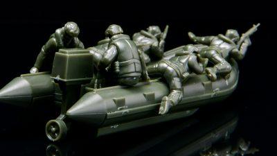 1/72スケールの隠れフネ模型!!「ゾディアックボート」をゲットせよ!!