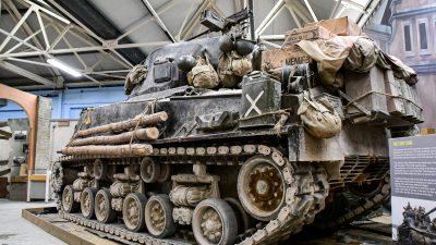 WWII「アメリカ最強戦車」で気分はブラピ!タミヤ 48MMで出撃だ!!