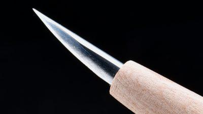 削げる!ズレない!ブレない!彫刻刀の三冠王「モデレッジ 繰ナギ」があなたの模型を美しくする!!