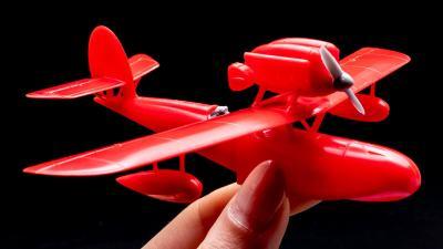 ファインモールドの大定番、『紅の豚』ポルコ・ロッソの乗機を刺し身で味わう。