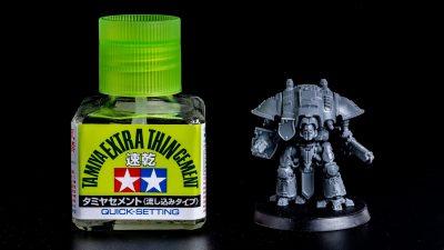 ミクロな造形に気絶!ウォーハンマー世界の超人気巨大ロボットが極小プラモで味わえます。