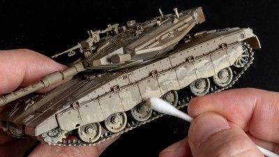 子供時代を思い出す「戦車のプラモで泥遊び」/汚し塗装のグラデーションも筆と綿棒でイケる!