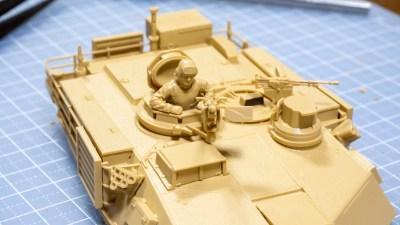初めての戦車模型に「組み立てる感触」を再確認する