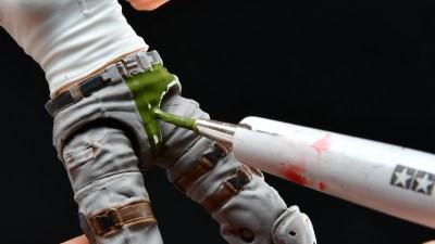 水性塗料でPVCフィギュアのリペイントも思いのまま!アーミーペインターの「ブラシオンプライマー」は筆塗り下地の革命児!!
