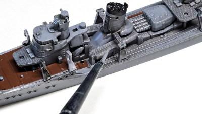 「駆逐艦のプラモを3時間で全塗装」。ハセガワの早波があなたを艦船模型のMaiden Voyageへとお連れします。