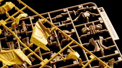 """黄金の電気騎士、1/100スケールのプラスチックキット「IMS」で降臨。ボークス新作""""K.O.G.""""テストショット最速レビュー!"""