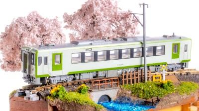 全部入りのスターターキット「ジオラマくん」で始める花見シーズンの情景作り、完成!