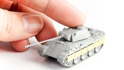 指先サイズのプラモで戦車がドン!1/144の限界を超えた彫刻で蘇る豹