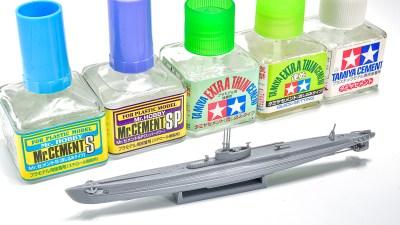 模型自身/誰でもきれいにパーツを接着できる「流し込み接着剤」が開いたプラモの世界。