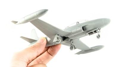 実物見てからプラモ買う。プラッツ1/72 T-33で興奮を真空パックじゃ!