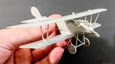 怖いと不思議が交差する精密世界/RODEN製の飛行機プラモデル。