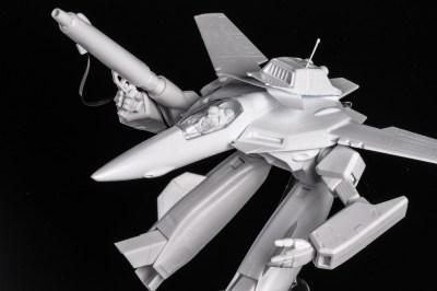 白磁のように美しい超兵器プラモ/ハセガワ VF-1J/A ガウォーク バルキリー。