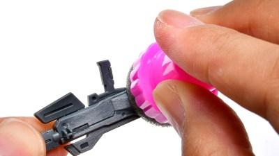 チッピングだけじゃない! ガンプラのヤスリがけ&パーツ洗浄も快適にしてくれる「ウェーブ スポンジスタンプホルダー」