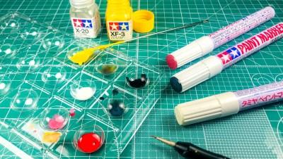 直塗り、筆塗り、濃度調整に完全対応。プラモ用エナメル系塗料として超優秀な「タミヤ ペイントマーカー」の裏技!