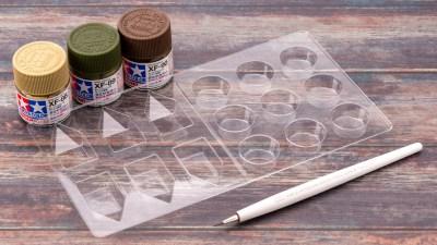 プラモの筆塗り交差点!タミヤのパレットで絵を描くように遊んでみよう。