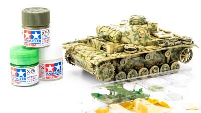 タミヤアクリルの筆塗りで戦車を楽しむ/ダークグリーンの冒険