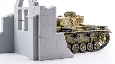 プラモにバフがかかる日/オール筆塗りIII号戦車の仕上げに足す「タミヤ最強の1色」がコレだ!