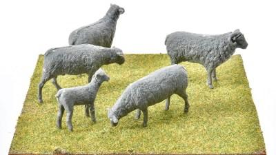 「ミニアートの羊」でプラモ遊びの楽しい夢を見よう!