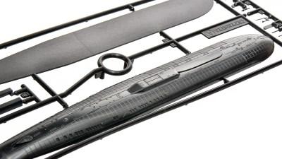 花金だ!仕事帰りに買うプラモ。30分で組み上がる潜水艦プラモで楽しむ週末模型ライフ。「タミヤ ロシア海軍原子力潜水艦 クルスク(オスカーII)」