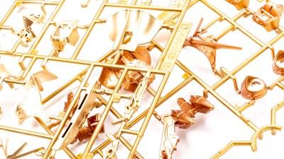 金銀銅に輝くプラモの強い味方、スーパーメタリック2の新色をキラッと楽しもう!
